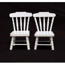 Conjunto de dos sillas lacadas en blanco