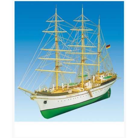Maqueta Naval GORCH FOCK 1/90 - Mantua Model