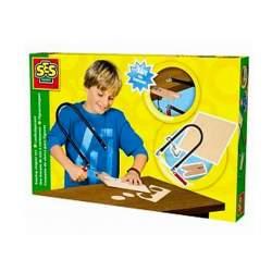 SES creativo para niños. Kit completo con sierra de calar, sierras adicionales, soporte con pinza para la mesa y madera